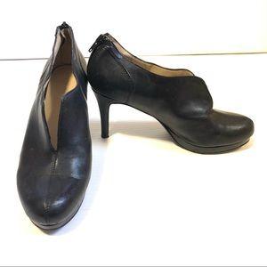 Nine West Zalarie Black Leather Heeled Bootie, 7.5